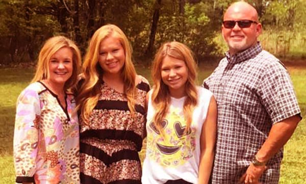 Image of Mallory Gulley and her family
