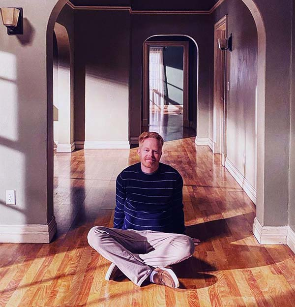Image of Jesse Tyler Ferguson is the new host of Extreme Makeover: Home Edition