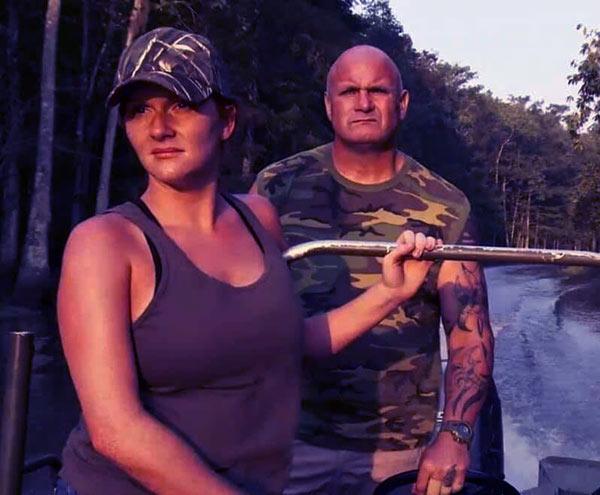 Image of Asley Jones stars in 'Swamp People' season 10 with Ronnie Adams